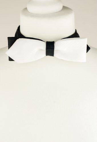 Diamond Point Bow Tie