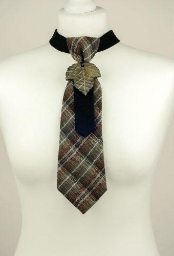 Leaf Pendant Necktie
