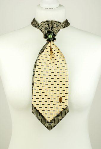 Flower Pendant Necktie